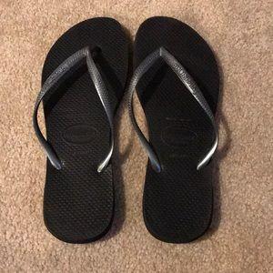 Havaianas blacks and silver flip flops 7/8